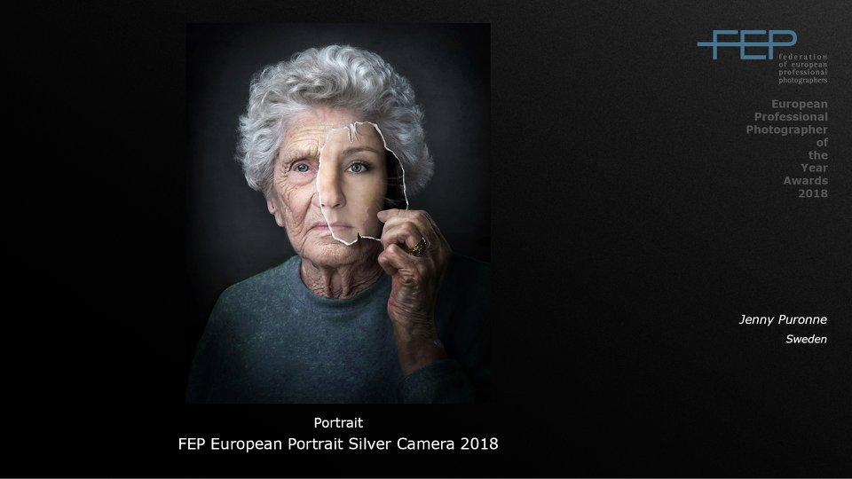 Young inside porträtt
